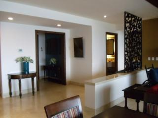 entrance into suite