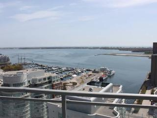 AMAZING LAKE VIEW & CITY VIEW LUXURY CONDO, Toronto