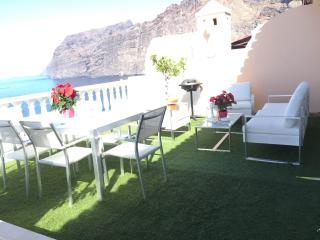 GIANTS PENTHOUSE WITH SEA VIEWS., Acantilado de los Gigantes