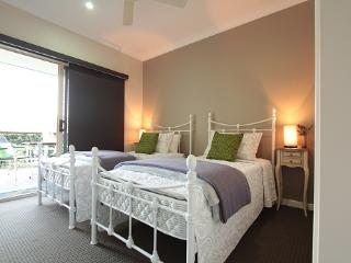 Peaceful farmstay accommodation, Mooloolah Valley