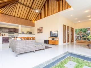 The Charming 2 BR Villa Located Near the Beach, Seminyak