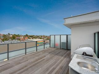 Luxury 3 Bedroom Penthouse with Rooftop Terrace, Moonee Ponds