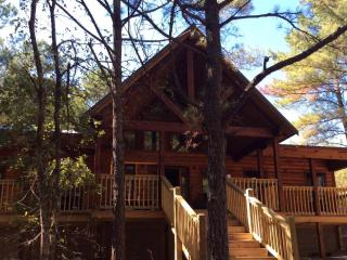A beautiful morning outside the Tree Top Tango cabin.