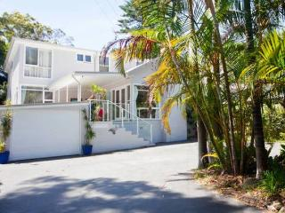 Whale Beach Bed and Breakfast (North Avalon)