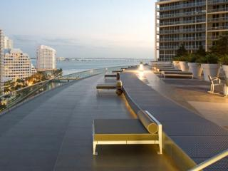 MIAMI  LUXURY  ZEN LIVING . 3BEDS 2B