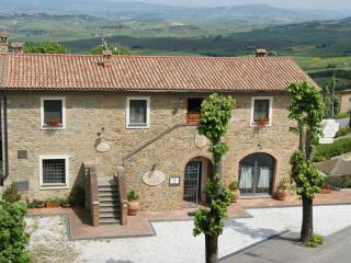 Apartment in tuscan style guesthouse Basilico, Chianni