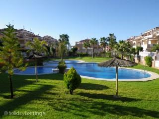House with private pool for rent, Punta Prima