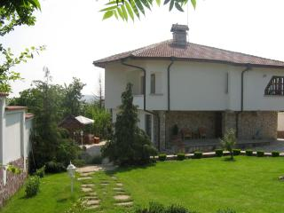 Lovely 3 bed House, Varna