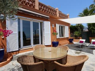 Apartamento con terraza y vistas al mar wifi free, Almuñécar