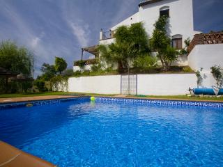Superb Villa for 8-16 people .Sea . Pool. Internet., Frigiliana