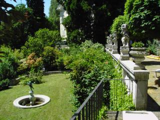romantic apartement in a charming youth stil Villa, Baden-Baden