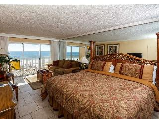 Condo #304: Beautiful efficiency- balcony, pool, WiFi, Fort Walton Beach