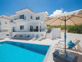 Green Bay Villa 25, 5 Bed, Panoramic sea views, Protaras