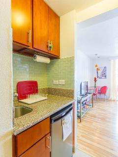 Kitchenette with fridge