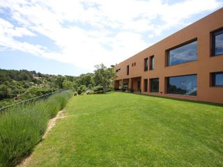 Large Luxury Villa, Pool, Sea views, Town centre, Regencos