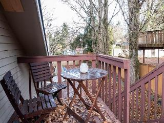 Cozy 1BR Kirkland Apartment - Sleeps 5