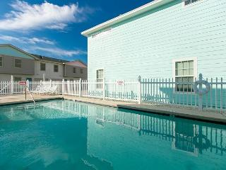 Its Five O'Clock Somewhere!  Walking Distance to the Beach, Pets, Pool, Port Aransas