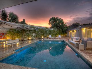 Ideal for Groups & Families, Chef & Butler, Golf Cart, Beach Club Access, Huge Pool, Altos Dechavon