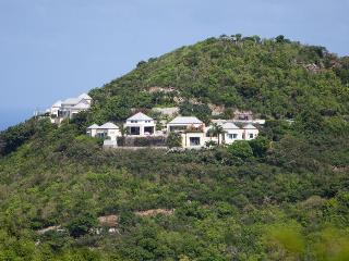 Located in the exclusive Pointe Milou area, Marigot