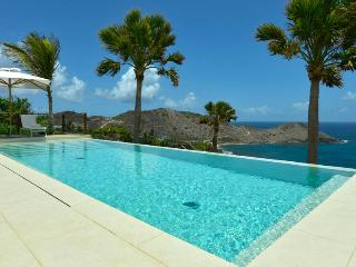 Enzuma - Ideal for Couples and Families, Beautiful Pool and Beach