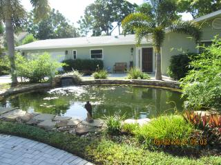 Tranquil, Private, Pet Friendly with Pool, Sarasota