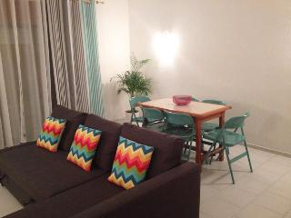 Bright and sunny flat 2km from the beach