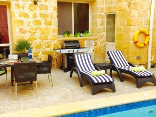Boutique Style Gozitan Farmhouse, Xaghra