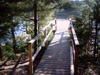 Cedar Cove, Bala