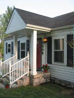 1940's Renovated home. A great place to stay while seeing and doing all that Nashville has to offer.