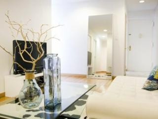 SUNNY AND FURNISHED STUDIO APARTMENT, New York City