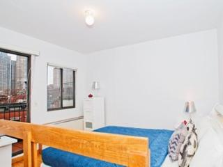 CHARMING AND FURNISHED STUDIO APARTMENT, New York City