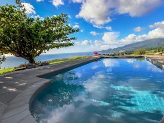 Villa Mahogany location de luxe vue piscine privée, Le Carbet