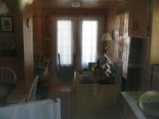 Cottage in black rock, Big Bras d'Or