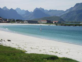 Holiday House in Lofoten directly on the fjord, Ramberg