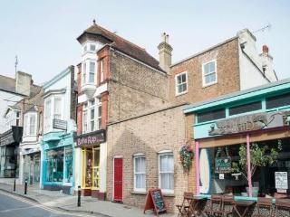 Beautiful 3 bed apartment 2 mins from Viking Bay, Broadstairs