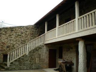 Stone house, Muinos