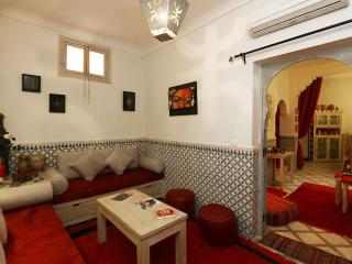 MARRAKECH Charmant petit Riad 4 Ch climatisees