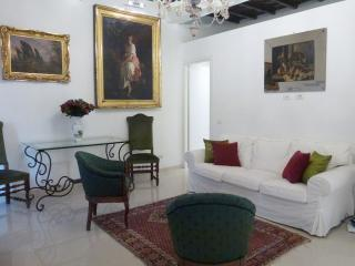 Perfect Spacious Sophisticated Spanish Steps, Roma