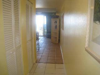 Room 402 - 1 BR Ocean Front