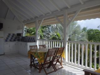 La villa ti dauphins pour 4 pers  avec 2 chambres, vue piscine et jardin