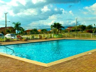 Balcony 2 Bed Apt shared Pool, Degicel TEL:4566516