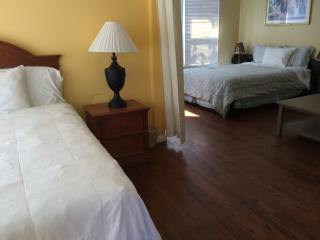 Cute 1BD unit in Marina del Rey!