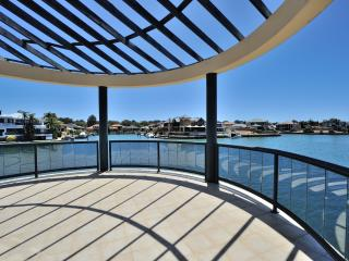 Blue Manor, Mandurah