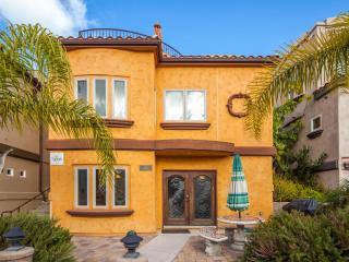 Mission Beach Luxury Townhome w/AC, ground floor