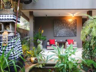 Famous designer villa in artist village - 5 bdr