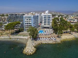 3b Pearl Beach seafront 12 - sauna, gym, Limassol