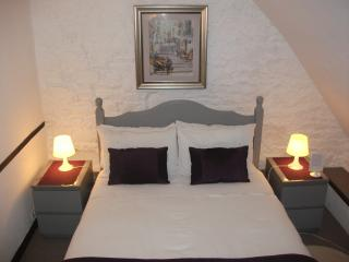 Double bed room - family suite