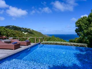 Sensational Sea View Over Flamands, Short Drive to the Beach, Ideal for Couples & Groups, Anse des Flamands