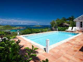 Le Roc - Ideal for Couples and Families, Beautiful Pool and Beach