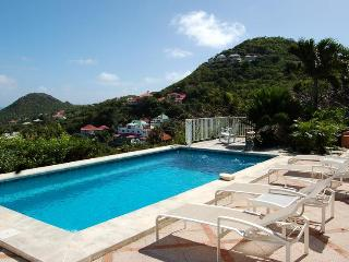 Les Petits Pois - Ideal for Couples and Families, Beautiful Pool and Beach
